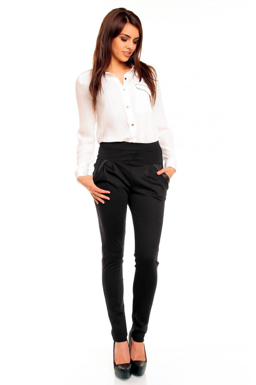 Spodnie damskie, jako jeden z podstawowych elementów kobiecej i męskiej garderoby, momentami może wprowadzić nudę do stylizacji. Aby to zmienić, nasz sklep internetowy yageimer.ga przygotował dla Ciebie szeroką ofertę różnych modeli spodni, abyś mogła cieszyć się modnym wyglądem każdego dnia.