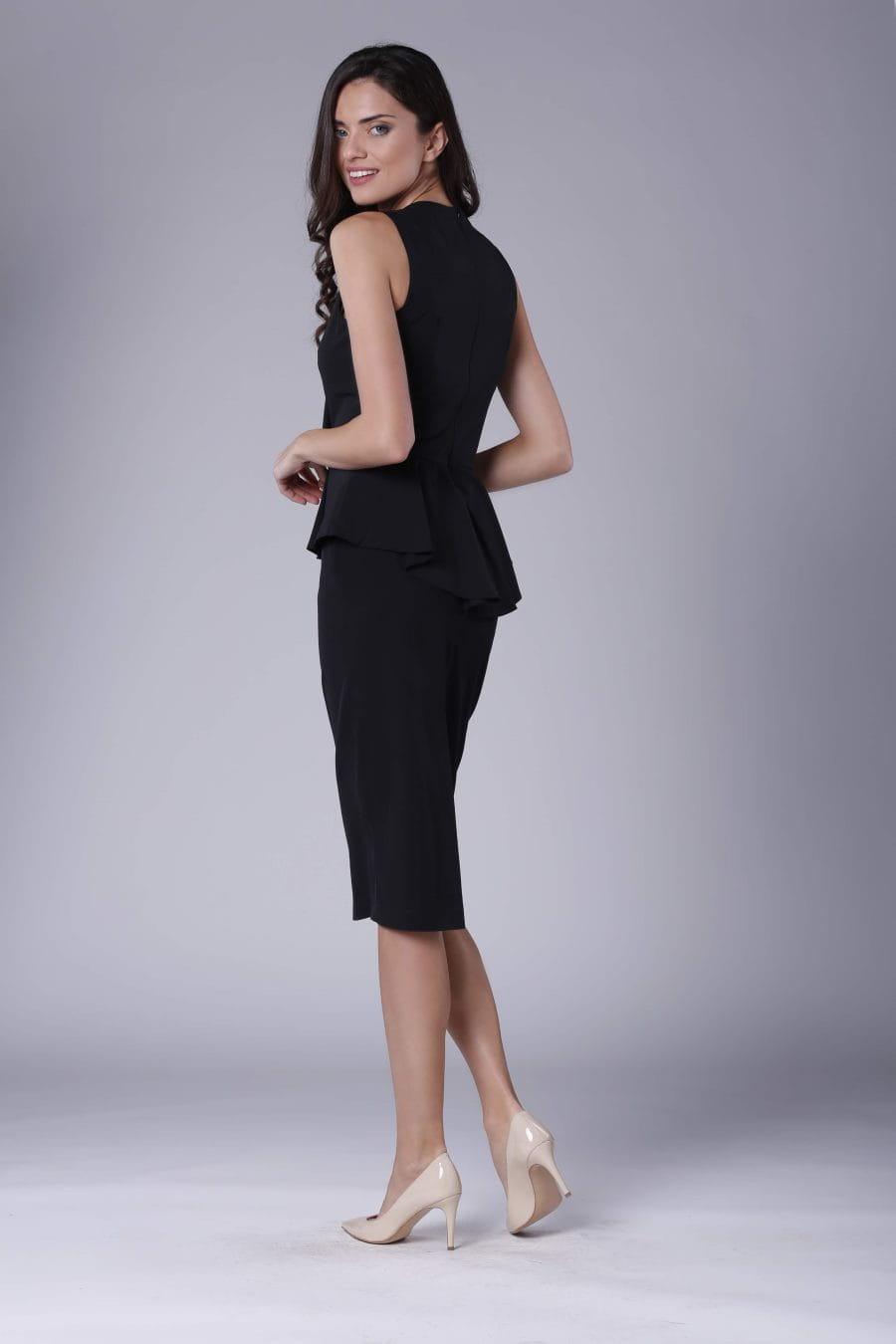 3cadb0848777e6 Ołówkowa Sukienka z Falbaną i Baskinką Czarna NA896 BESIMA.pl