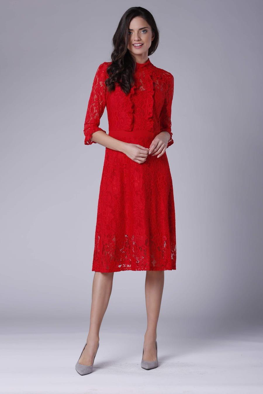 Koronkowa Sukienka z Żabotami i Stójką Czerwona NA893