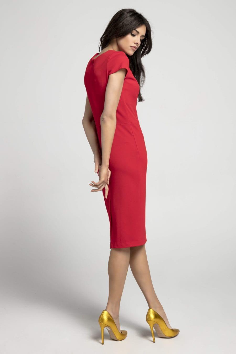 781086a671 Dopasowana Sukienka z Dekoltem Karo Czerwona NA1044 BESIMA.pl