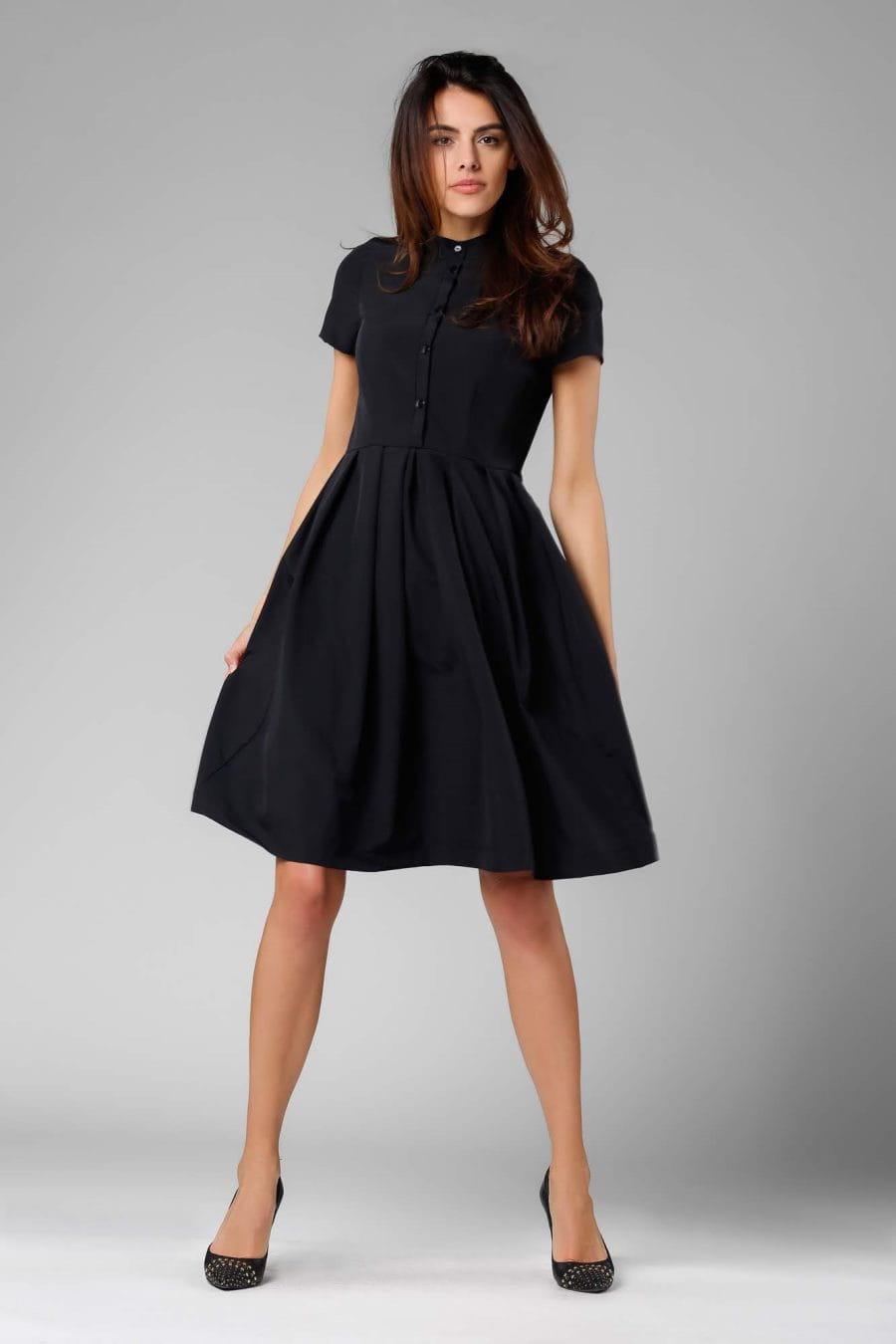 Rozkloszowana Sukienka z Guzikami Czarna NA1131